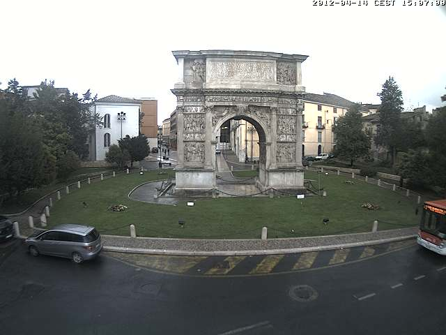 Webcam Benevento - Arco di Traiano Live webcamera